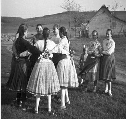 Danses anciennes des femmes en Hongrie (1954, Folk Music Research Group of HAS